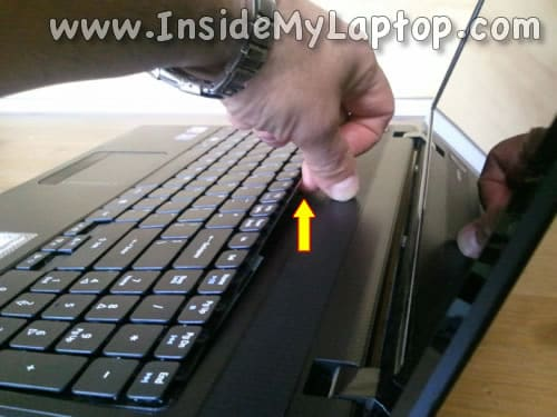 Lift up keyboard