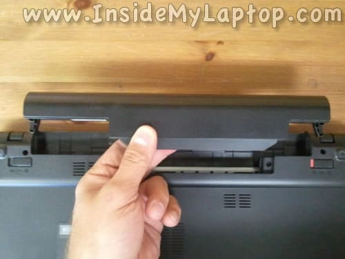 Remove laptop battery