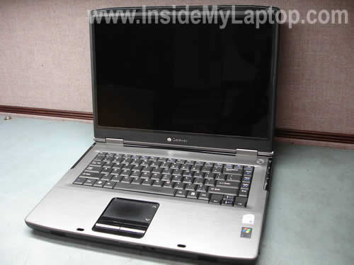 Gateway NX570X laptop