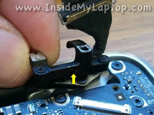 Remove right bracket