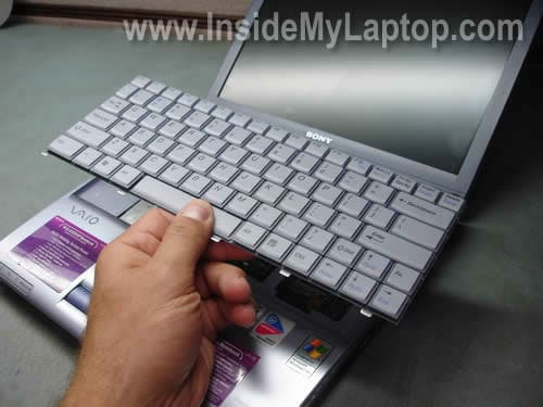 how to remove keyboard on sony vaio pcg v505 inside my laptop rh insidemylaptop com Sony Vaio PCG- 272L AIO Sony Vaio PCG- 61112L