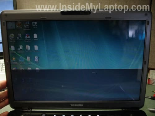 Satellite M305 M305D display image flickers disappears