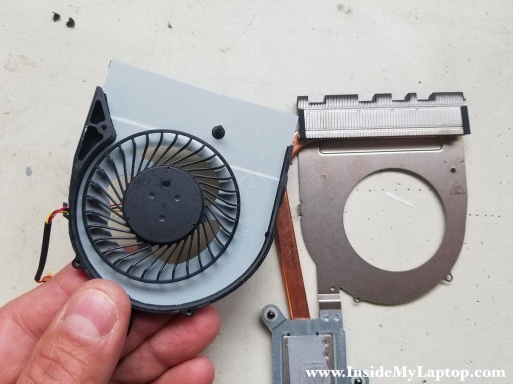 Dell Inspiron 15 5000 5558/5559 cooling fan removed