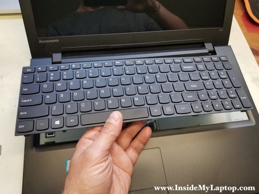 Lenovo ideapad 300-15ISK keyboard removed