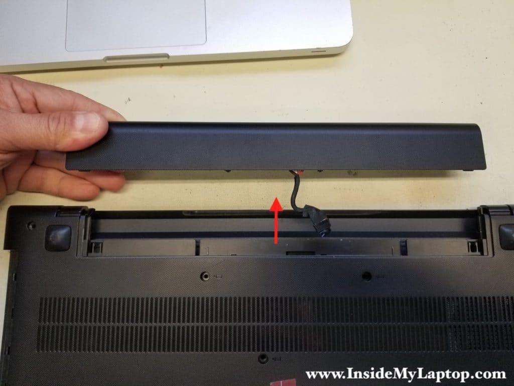 Lenovo ideapad 300-15ISK battery removed