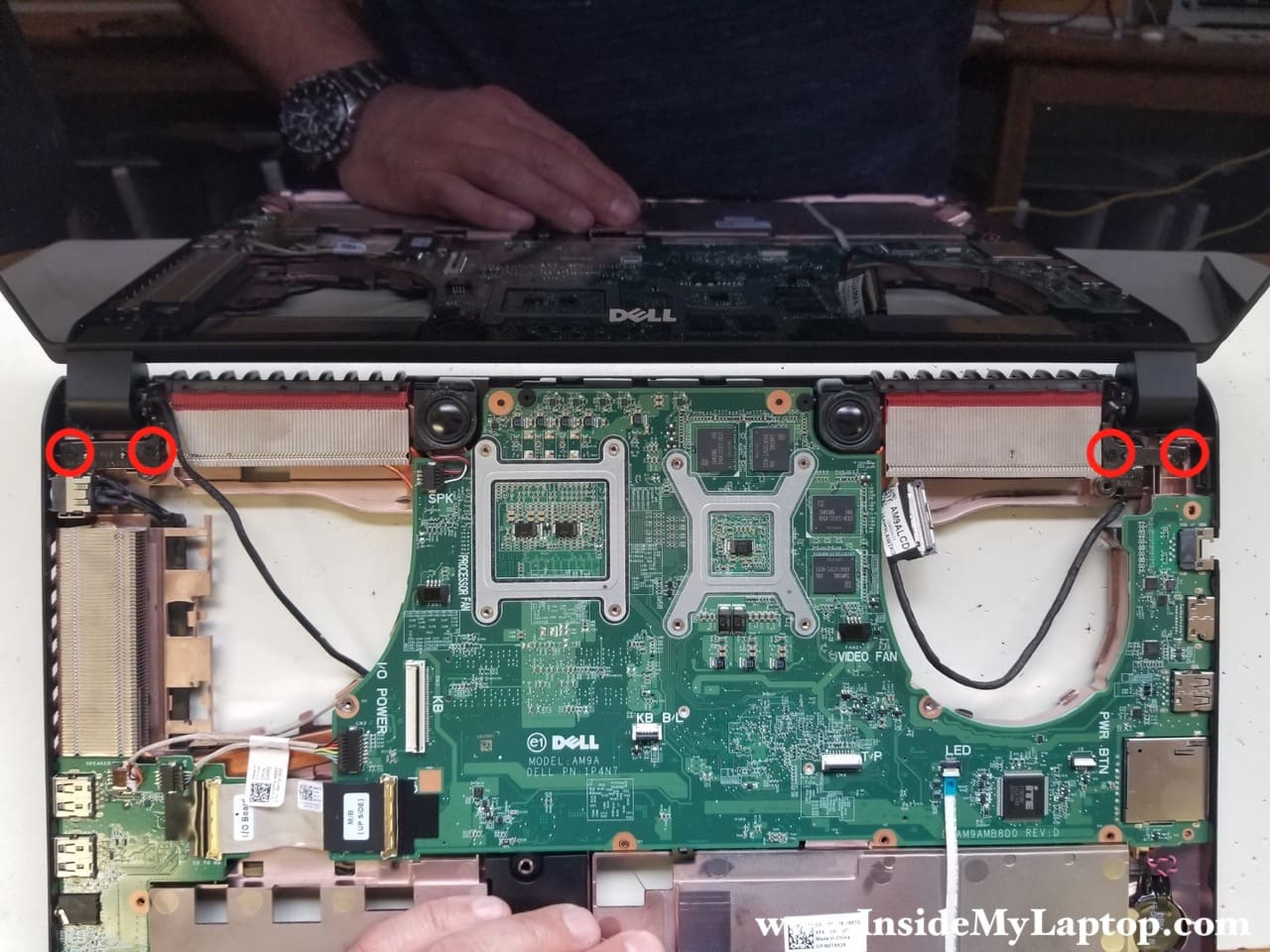 Taking apart Dell Inspiron 15 7000 series 7559 7557 – Inside