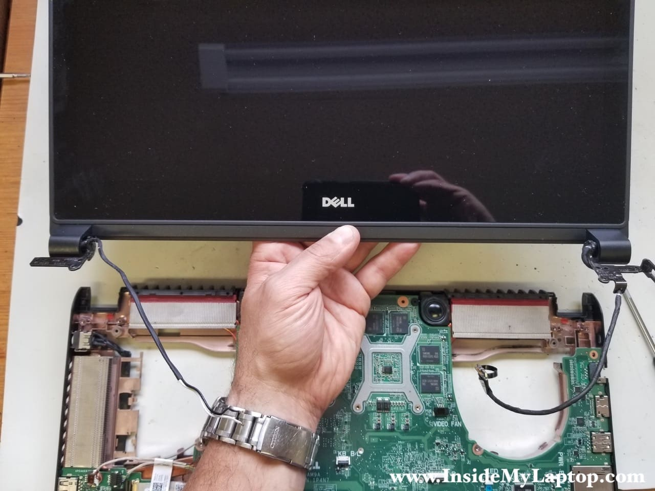 Taking apart Dell Inspiron 15 7000 series 7559 7557 – Inside my laptop
