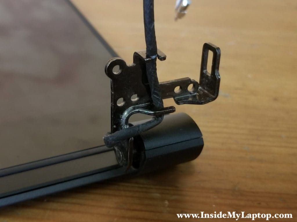 Video cable inside the hinge view