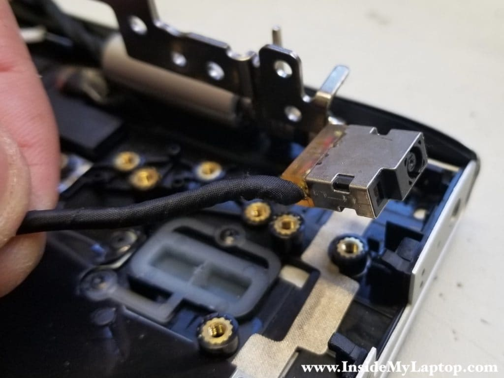 Remove HP Envy 15T-AE100 DC jack harness