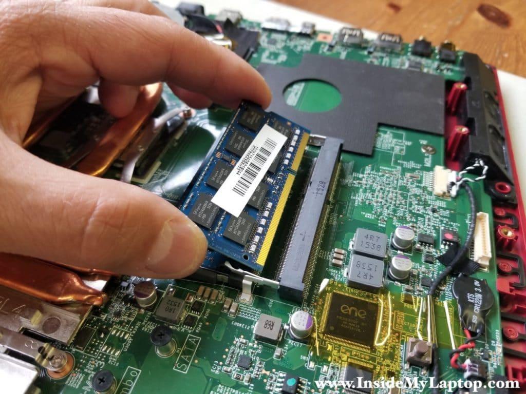 Remove memory modules