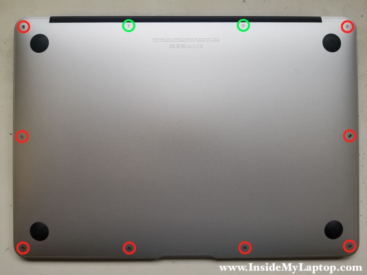 how to clean macbook trackpad