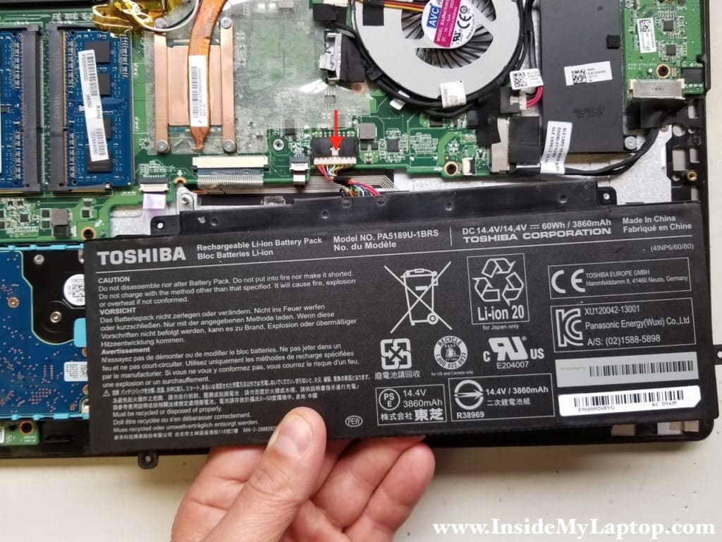 Remove Toshiba Satellite Radius P55W battery