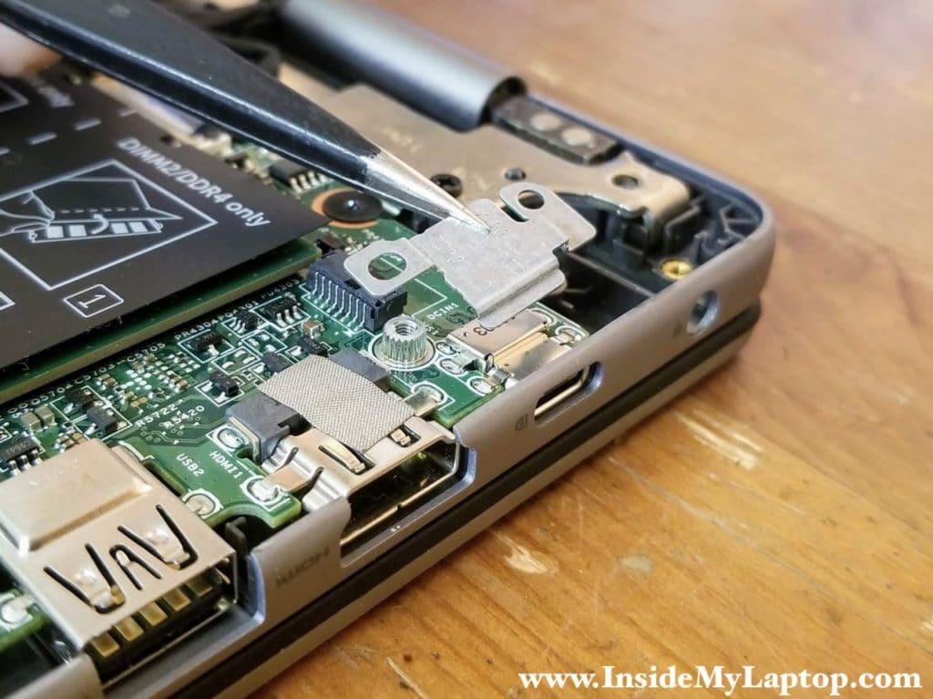 Remove the USB-C port bracket.